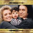 Gene Simmons and Shannon Tweed - 454 x 261