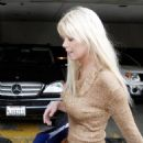 Tara Reid Went Shopping At Stuart Weitzman In Beverly Hills