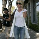 Kelly Carlson Coming Out Of The Neil George Salon In Beverly Hills - Sep 26 2007