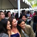 'Breaking Dawn' Cast Greet Fans In Line For Comic-Con! Stay Tuned More to Come! - 454 x 607