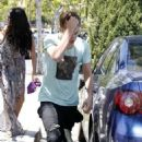 Justin Bieber and Selena Gomez's movie date/run-in with the paparazzi (May 27)