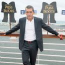 Antonio Banderas attends Allure of the Seas premiere of PUSS IN BOOTS at Port Everglades on October 16, 2011 in Fort Lauderdale, Florida