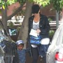 Sandra Bullock: picks up her son Louis from school in Los Angeles