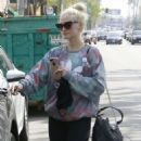 Ashlee Simpson Leaves a gym in Studio City - 454 x 593