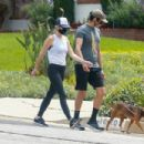 Kristen Wiig – Goes for a walk in Los Angeles