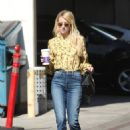 Emma Roberts at the Coffee Bean and Tea Leaf in West Hollywood 10/19/ 2016 - 454 x 663