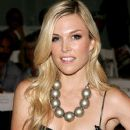 Tinsley Mortimer - 372 x 500