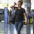Hayden Panettiere in Jeans at Airport in Barbados - 454 x 665
