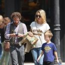 Kate Hudson - Goes For A Walk Through Soho In NYC, 2010-05-14