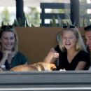 Josie Canseco is all smiles while lunch with a friends in Los Angeles
