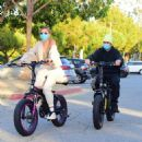 Hailey and Justin Bieber – Riding Electric Bikes in Los Angeles - 454 x 496
