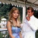 Tanya Roberts and Roger Moore - 334 x 461