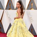 Alicia Vikander At The 88th Annual Academy Awards (2016) - Arrivals