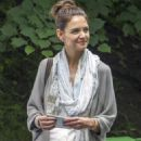 Katie Holmes and Patrick Stewart Filming in a Park in Montreal - 454 x 681