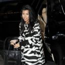Kim & Kourtney Pay Khloe A Surprise Lone Star State Visit