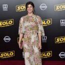 Alexandra Daddario – 'Solo: A Star Wars Story' Premiere in Los Angeles - 454 x 683