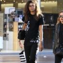 Zendaya Coleman is seen shopping with her mom and dog at the Grove in Los Angeles, California on August 12, 2016 - 408 x 600