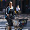 Famke Janssen – Riding her bike in New York City - 454 x 681