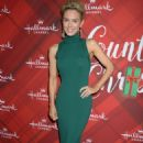 Nicky Whelan – 'Christmas at Holly Lodge' Screening in LA - 454 x 675