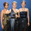 Halle Berry, Kate Winslet and Marion Cotillard At The 81st Annual Academy Awards (2009) - 400 x 600
