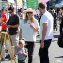 Drew Barrymore family at the market
