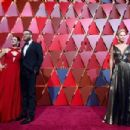 Charlize Theron At The 89th Annual Academy Awards - Arrivals (2017) - 454 x 302
