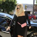 Khloe Kardashian – Arrives at Petit Trois in Sherman Oaks