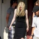 Dakota Fanning continue work on the set of the new film Very Good Girls in Brooklyn