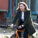 Chloe Moretz – Filming 'The Widow' in NYC - 454 x 789