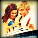 Laura Marano and Ross Lynch - 454 x 462