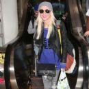 Tara Reid – Arriving at LAX Airport in Los Angeles - 454 x 681