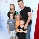 Cuties for a Cause! Joey McIntyre, James Van Der Beek and More Attend Safe Kids Day 2017 – See the Snaps
