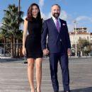 Bergüzar Korel  & Halit Ergenç : 'Vatanim Sensin' press conference in Cannes - 454 x 496