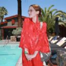 Zoey Deutch – Poolside with H&M at Coachella 2018 in Indio - 454 x 303
