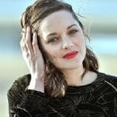 Marion Cotillard – Jury Photocall at 31st Cabourg Film Festival in France - 454 x 682