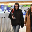 Dua Lipa – Arrives at LAX International Airport in LA - 454 x 634