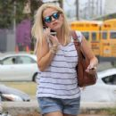 """""""Wild"""" star Reese Witherspoon heads to an office for a meeting in Santa Monica, California on July 29, 2015"""