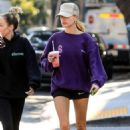 Hailey Bieber – Picks up a healthy smoothie in West Hollywood