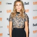 Suki Waterhouse – 'The Bad Batch' Premiere – 2016 TIFF in Toronto 9/13/2016 - 454 x 627