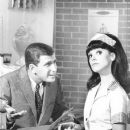 Ted Bessell & Marlo in That Girl