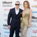 Jennifer Lopez and Casper Smart - 454 x 658