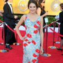 Shailene Woodley Works the 2012 SAG Awards Red Carpet