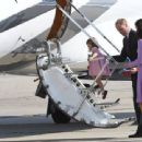 Prince Windsor and Kate Middleton in Hamburg Airport - 454 x 340