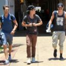 Big Time Rush caught a flight out of Maui yesterday afternoon, May 29. The Nickelodeon boyband was in Hawaii to shoot their new music video - 454 x 298