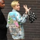 Miley on the way to Alan Carr Studio (September 11)
