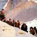 Leo (Mark Wahlberg), Birn (Luke Eberl), Tival (Erick Avari), Gunnar (Evan Dexter Parke), Daena (Estella Warren), Limbo (Paul Giamatti), Ari (Helena Bonham Carter) and Krull (Cary Hiroyuki Tagawa) in 20th Century Fox's Planet Of The Apes - 2001 - 400 x 270
