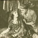 Pola Negri and Harry Liedtke in Sumurun (1920) - 454 x 291