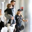 Shakira With Her Family at the Airport in Miami 12/19/ 2016 - 454 x 687