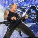 Metallica live at Parc Jean-Drapeau on July 19, 2017 - 454 x 246