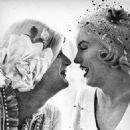 Marilyn Monroe & Tony Curtis - 454 x 503